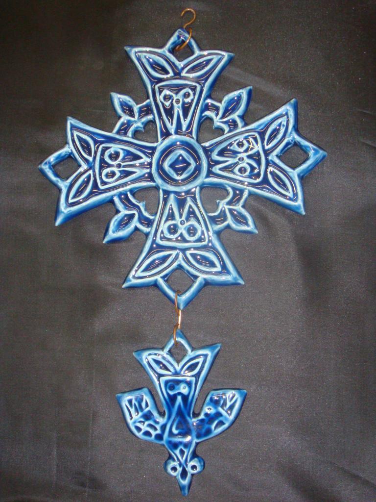 croix-hg-gm-bleu. (POTERIE la DRAILLE)