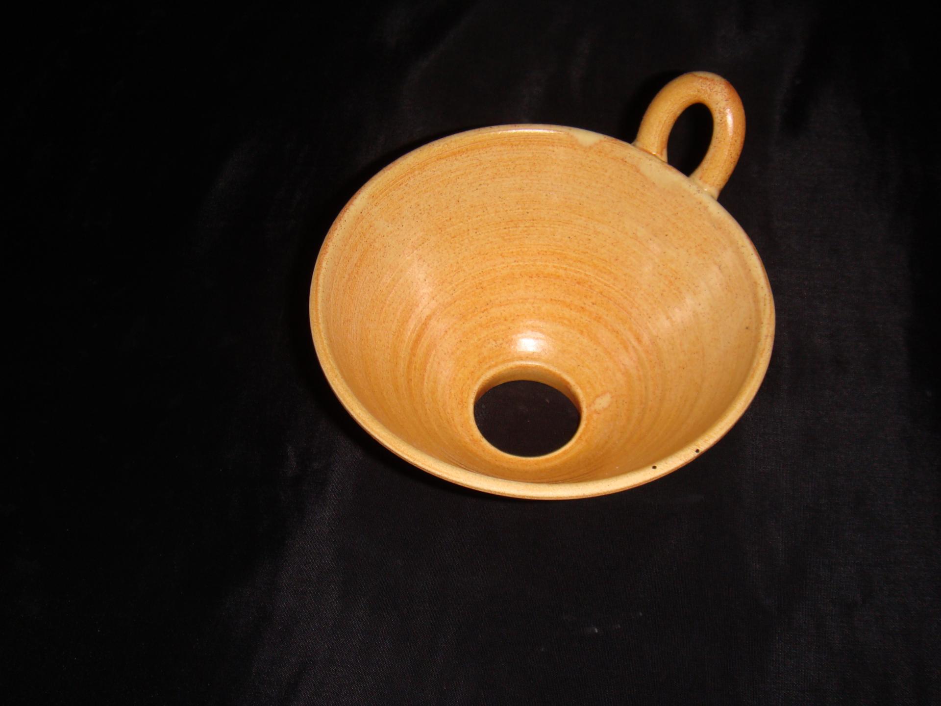 Entonnoir couleur terre poterie la draille