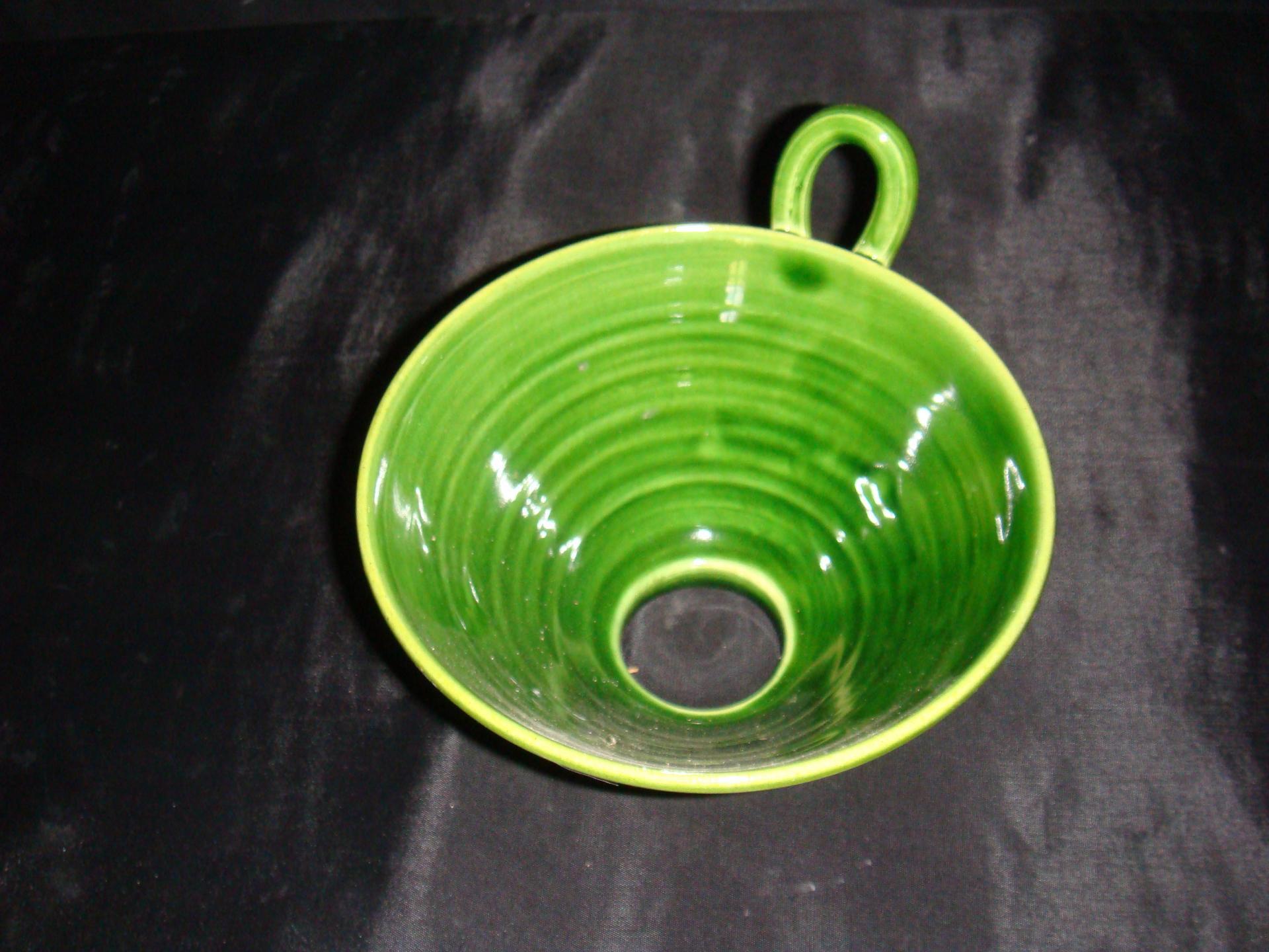 Entonnoir vert poterie la draille