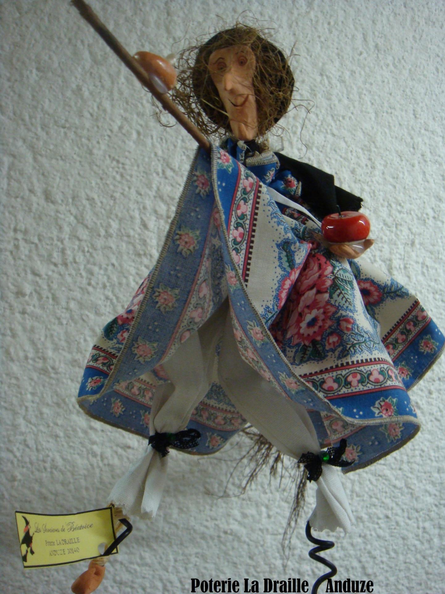 Petite sorciere n 4 bleu fleur provencal